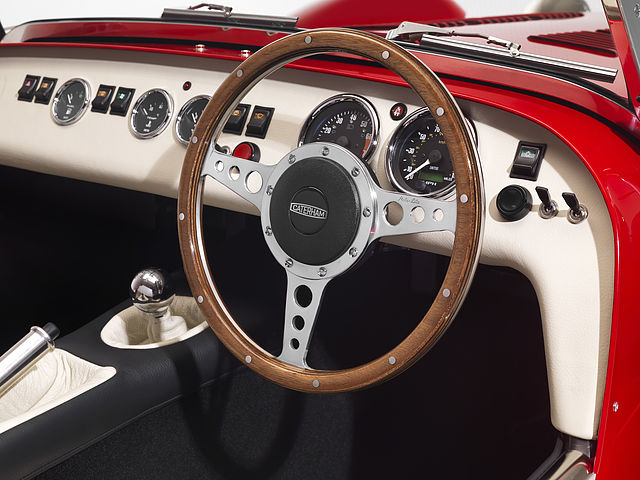 uk_steering_wheel (1).jpg